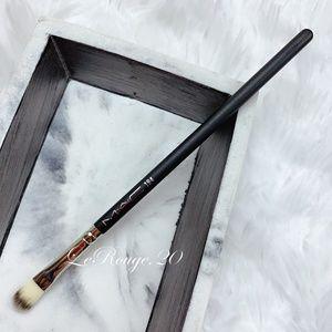Mac 194 concealer cream eyeshadow brush